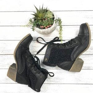 Roxy   'The Colbie' Lace up boots